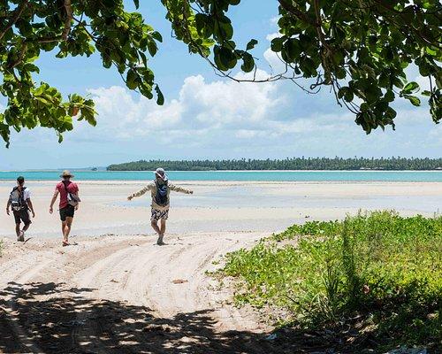 Descubra a vila de pescadores e marisqueiras de Garapuá com um olhar especial!