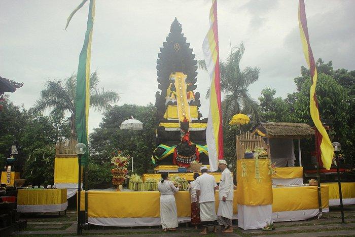 Melaspas Ceremony at Pura Parahyangan Jagat Guru