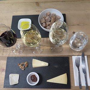 3 Wines & 3 Cheeses Tasting.
