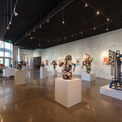 Robert Hudson: Between the Lines at Bivins Gallery