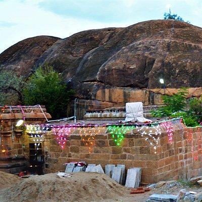 Malayadipatti Perumal Temple Outside View