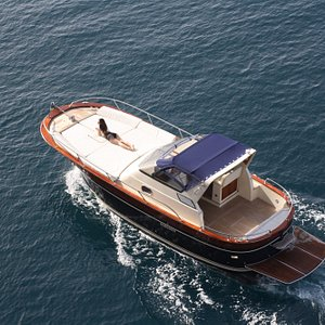 Elegant, fast, comfortable, you will feel the Italian tradition on it !
