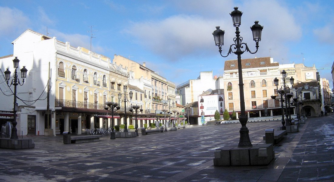 Plaza Mayor Ciudad Real © Robert Bovington