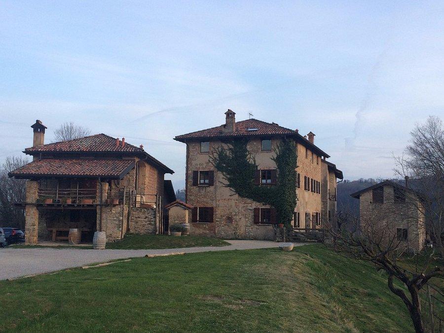 AGRITURISMO LA COSTA Hotel (Perego, Provincia di Lecco ...