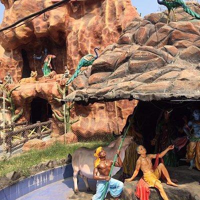 Vaishno Devi Replica in Char Dham Mandir Ujjain