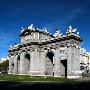 Puerta de Alcalá de Madrid - Alcala Gate, Madrid.