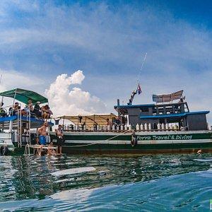 Forra Diving Resorts Diving Fleet, having a short interval between dives just off Koh Talang