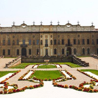 Villa Arconati, Facciata Principale