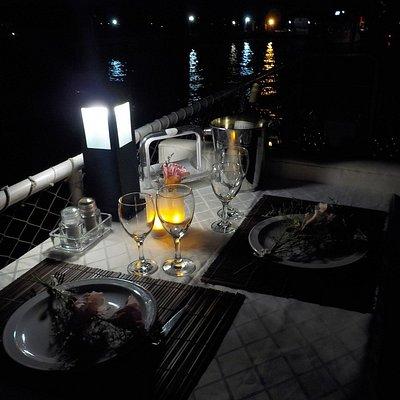 Noche Romantica Buenos Aires en Barco - Cena en Nueva Cristina Barco Gourmet - 011 5930-0802