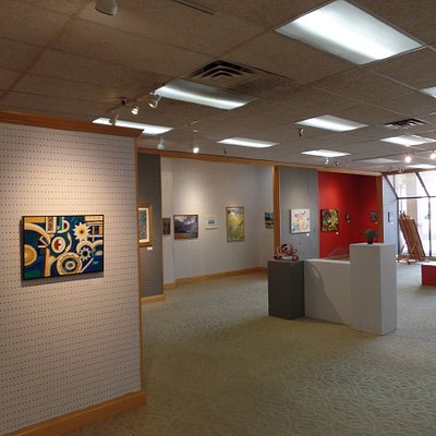 Enjoy viewing (and buying) local art while visiting Kaua'i