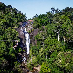 Spectacular view of Seven Wells Waterfall.