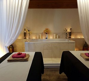 The couples room with the optional Spa bath (swimsuit required)