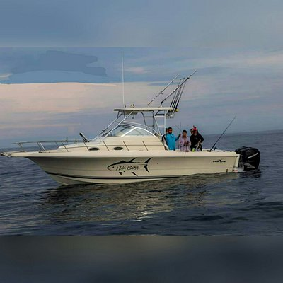Meet Da'Boss, 32 feet Pro line Express powered by Twin 275 hp Verados