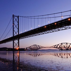 Pictures of the forth bridges which is included in the city tour we offer