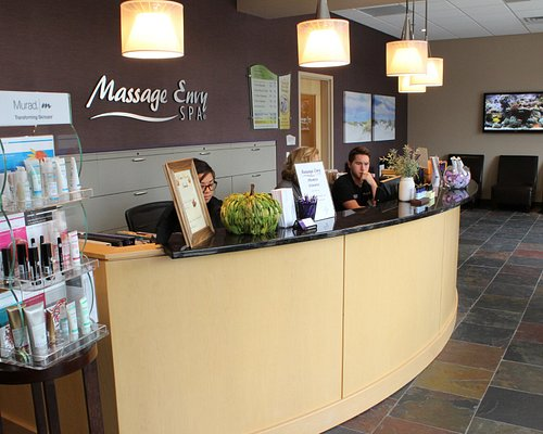 Customized, affordable and convenient Northbrook facials and massages