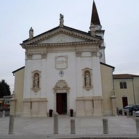L'esterno della chiesa