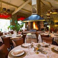 restaurant et feu de cheminée