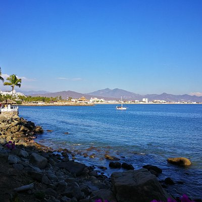 Manzanillo Bay from pathway in front of Paraiso Restaurant