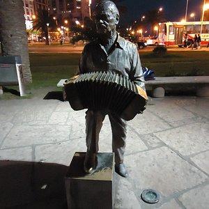 Estatua de Astor Piazzola