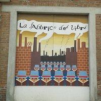 Murale esterno alla biblioteca civica