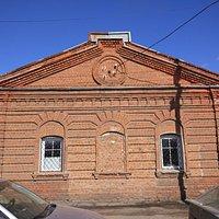 Здание старинного амбара