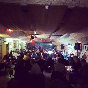 Cadde Bar Folk Music