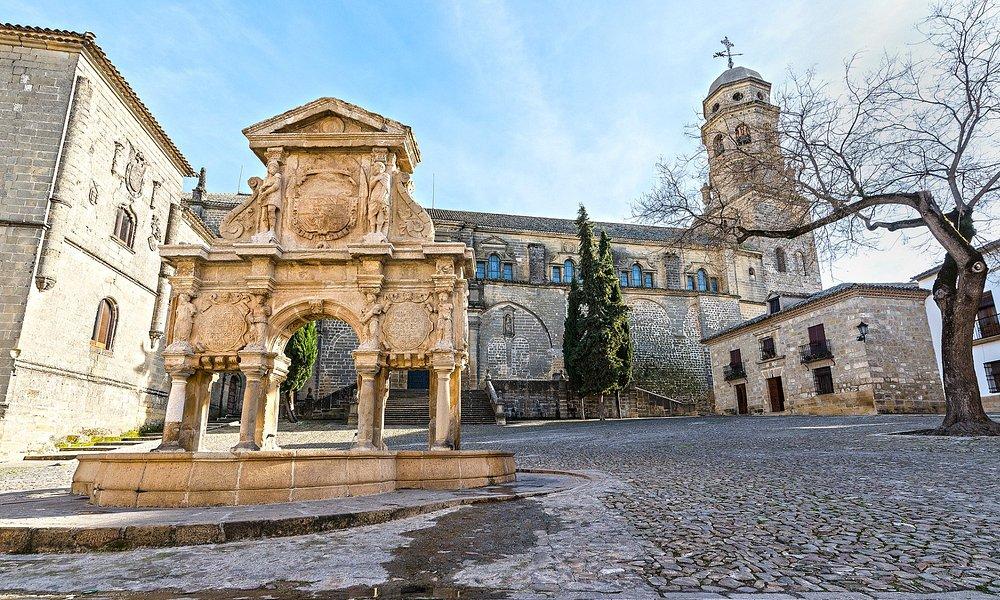 Es una auténtica acuarela esta plaza de Sta María.
