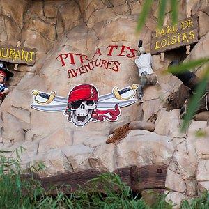 l'entrée des Pirates