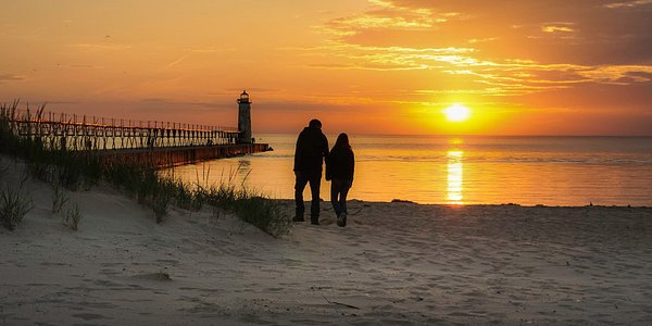 Unwind at Manistee's fifth avenue beach