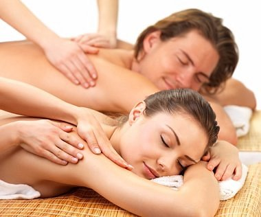 Specializing in couples massage and girlfriends spa days.