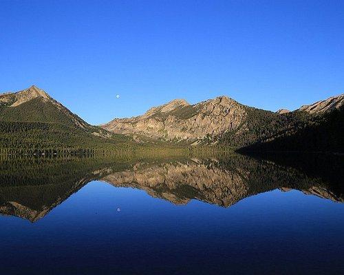 Pettit Lake and the Sawtooth Mountains