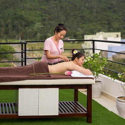 Spa Da Nang - Hot Stone Body Massage Da Nang