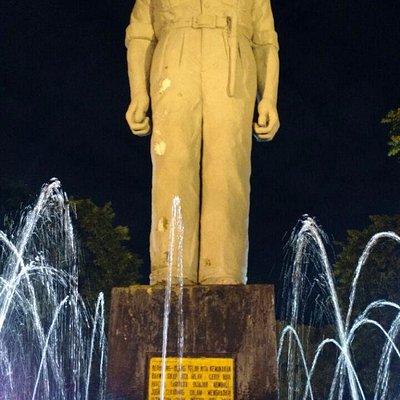 Patung Gubernur Soerjo