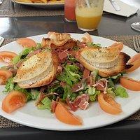 Salade de chèvre chaud et Serrano