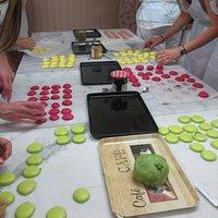 super ambiance pour cet atelier macaron à la Ruchette