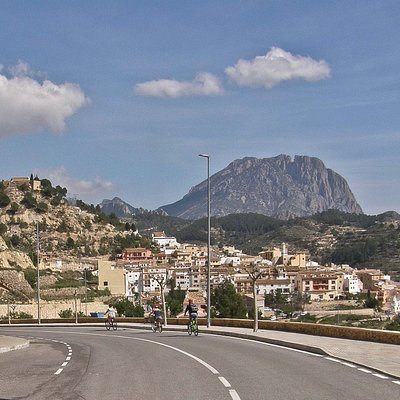 Discover the mountains & villages of Costa Blanca's inland.