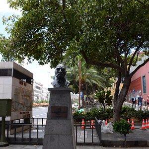 Pomnik Antonio Lopez Botasa