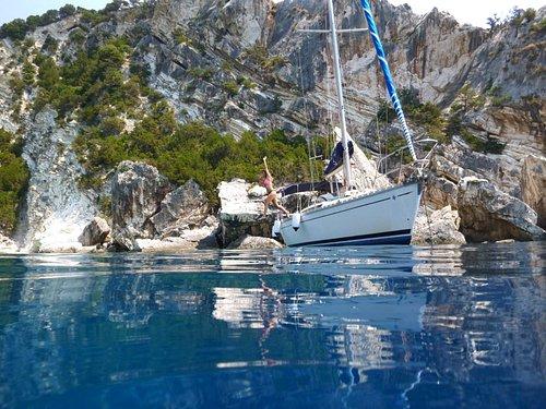 Daily cruises Lefkada daily cruise from Nidri to Meganisi, Kalamos, Scorpios, Atokos