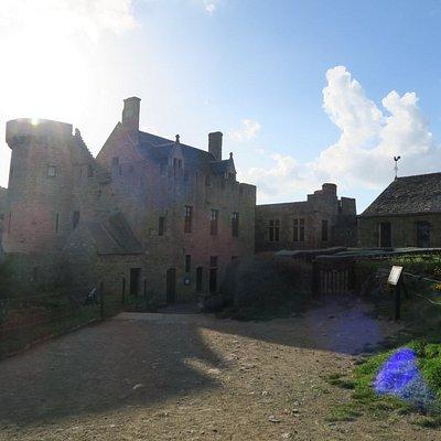 le logis du Fort La Latte et sa chapelle