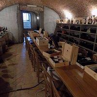 Parte della fornitissima Cantina di vini pregiati