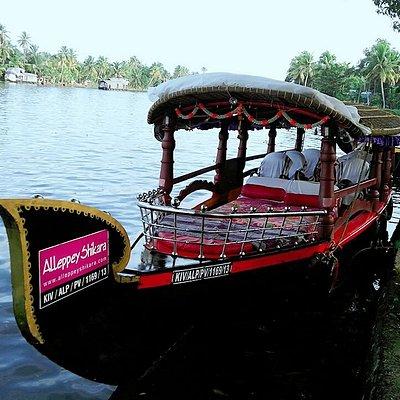 Alleppey Shikara Boats  www.alleppeyshikara.com