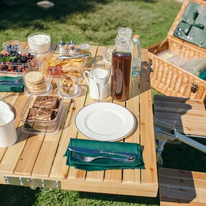 Dining Al Fresco made easy, complete with luxury comforts for your enjoyment!