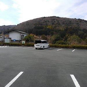 すいません。駐車場しか撮ってませんでした。