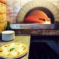 Il nostro forno con una bella pizza