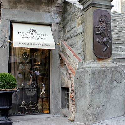 The DelBrenna Boutique is located in the most central square of Cortona.