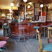 Main bar 1