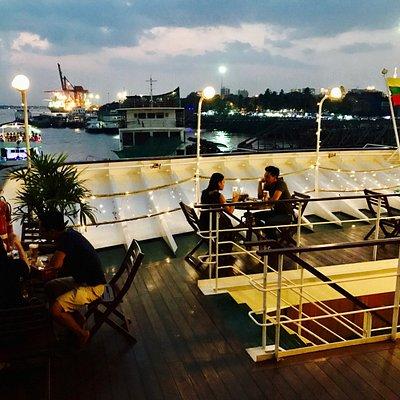 Open deck at Victoria Bar