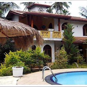 Ceylon Lanka Tours, Private villas for accommodations. Villa 01
