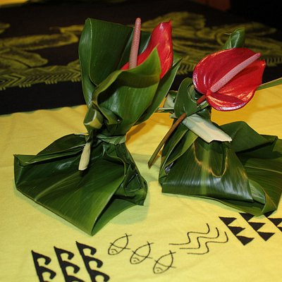 Ho'okupu is a ceremonial gift giving to show respect and honor.