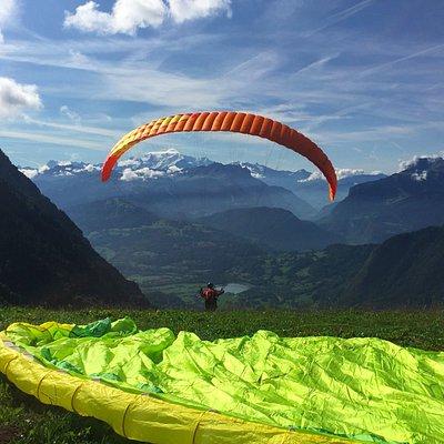 Décollage de Mieussy face au Mont Blanc